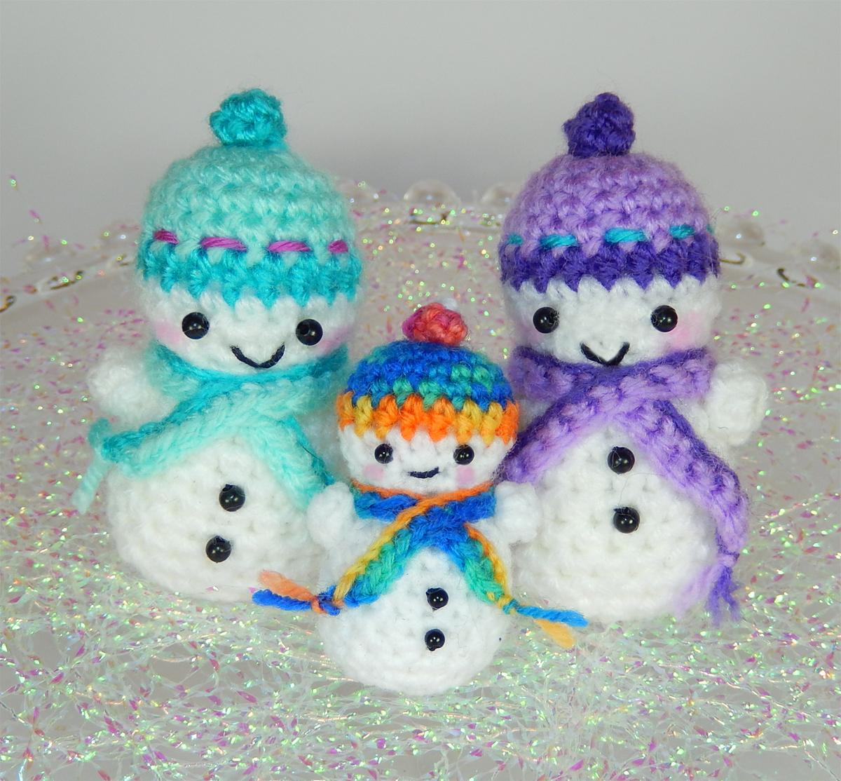 Teeny Tiny Snowmen | Moji-Moji Design